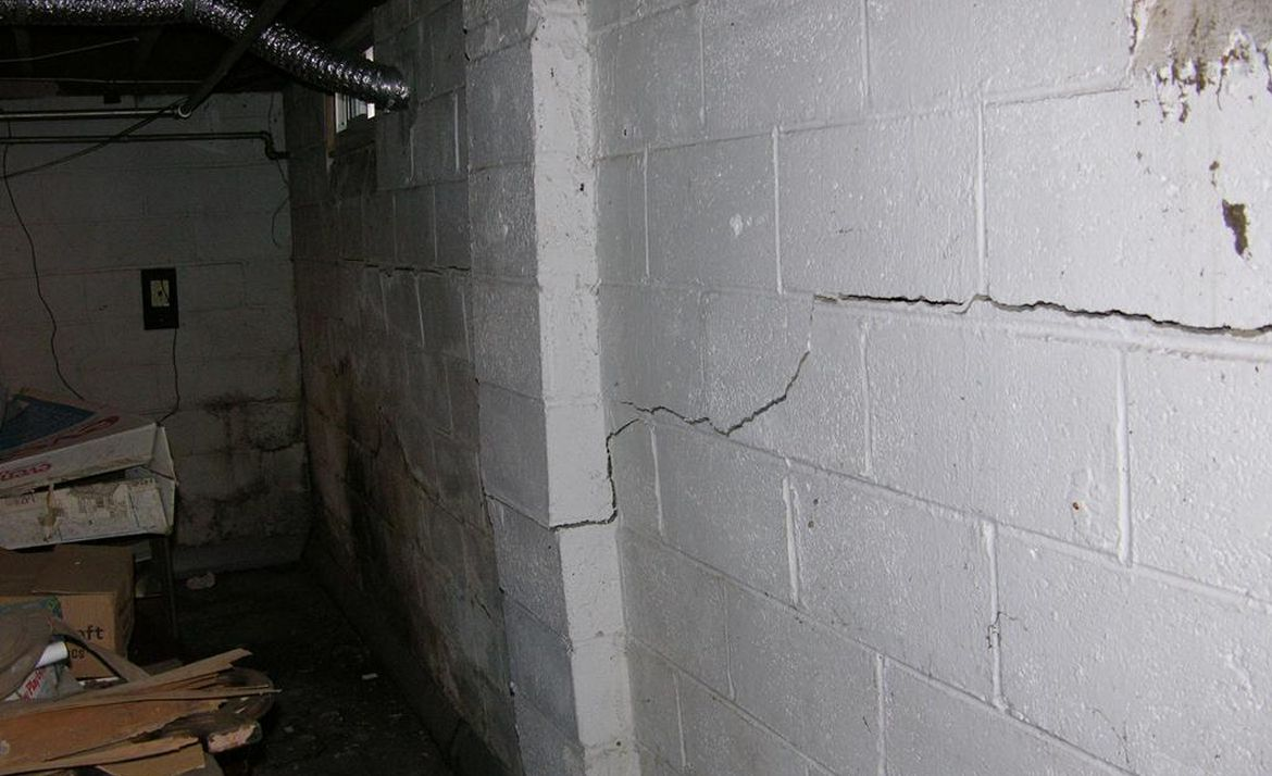 bowing foundation walls